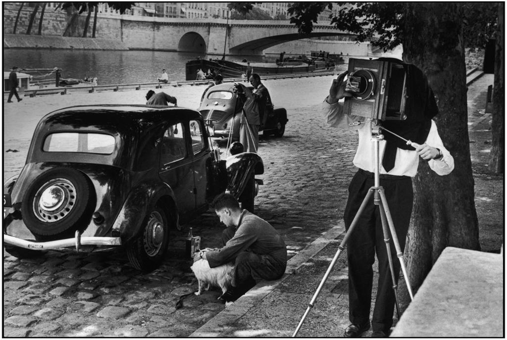 Fig. 16. Henri Cartier-Bresson, Quai de Montebello, Paris, 1955, Gelatin silver print