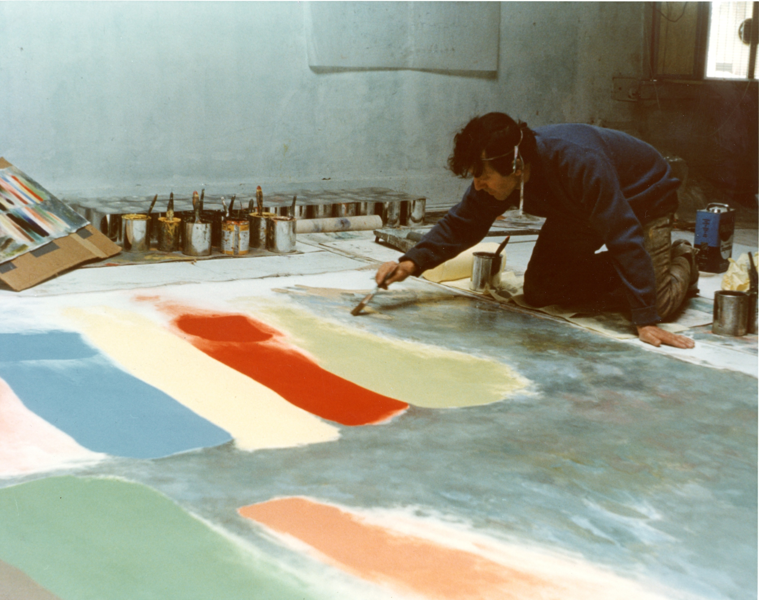 Figure 12 Friedel Dzubas at work on Procession, 1975, with oil sketch
