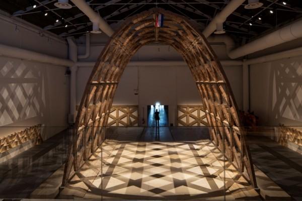 "Gabinete de Arquitectura (Solano Benítez, Gloria Cabral, Solanito Benítez) ""Breaking the Siege"" Venice Architecture Biennale, 2016 Image Francesco Galli, La Biennale di Venezia"